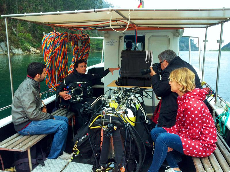explicación en la visita a la bodega submarina